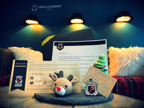 Gift box escape game - Gift box Christmas escape room Lock Academy